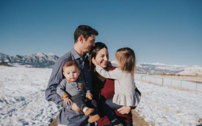 3 maneras de priorizar las sonrisas de su familia este año.