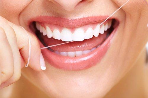 ¿Sabes usar el hilo dental?