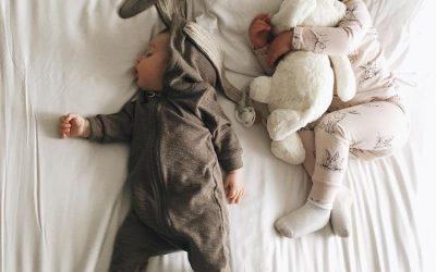 🔥 Agosto está llegando a su fin. 🔥 Así que si tienes un bebé en casa seguro que has empezado ya a organizar la vuelta a la guardería. 👶🏻